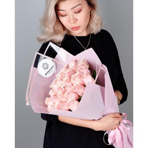 Купить на заказ Заказать Букет из 25 розовых роз с доставкой по Петропавловску  с доставкой в Петропавловске