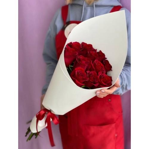 Купить на заказ Букет из 11 красных роз с доставкой в Петропавловске