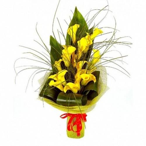 Купить на заказ Букет из желтых калл для мужчин с доставкой в Петропавловске