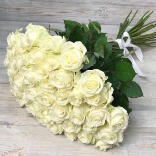 Купить на заказ Заказать Букет из 51 белой розы с доставкой по Петропавловску  с доставкой в Петропавловске